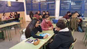 Aula institut alumnes per grups
